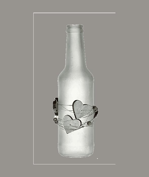 Bottiglia vetro bianco satinato c/cuori legno  h.21 cm