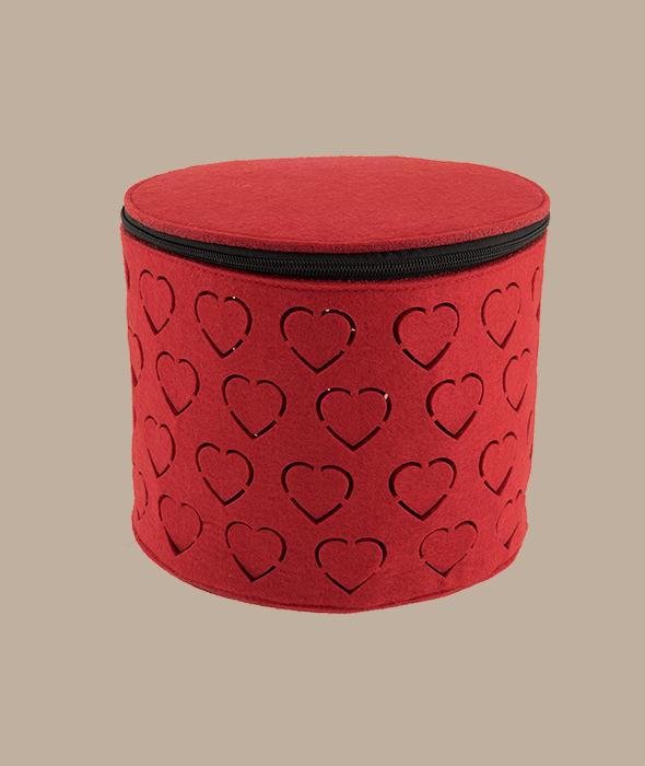 Contenitore feltro rosso traforato cuori 22x22x18 cm