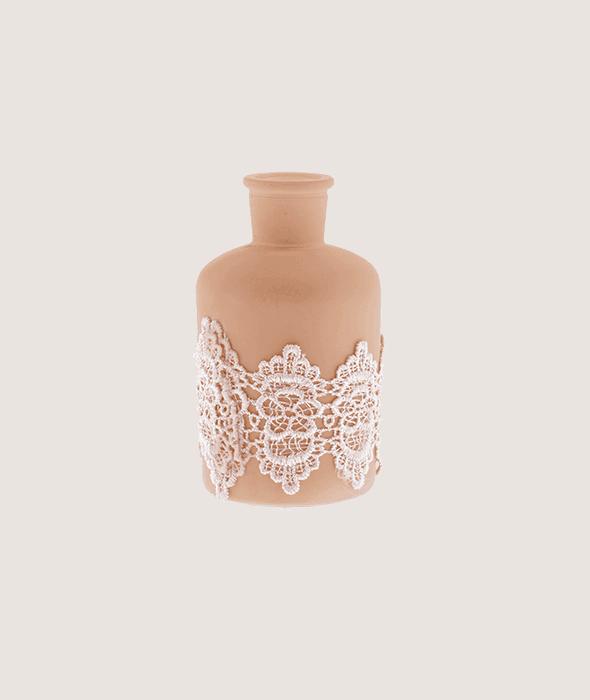 Bottiglia vetro cipria fascia pizzo h.12,5 cm