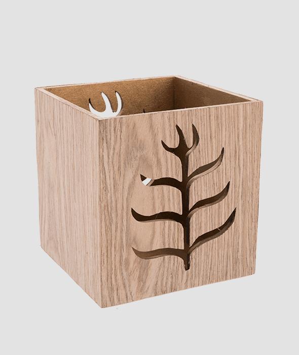 Contenitore legno decoro traforato 14×15 cm