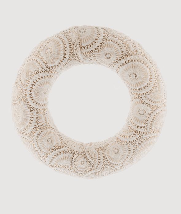 Corona polistirolo rivestimento tessuto avorio macramé oro d.30cm
